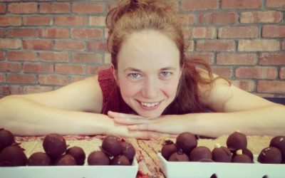 CHOCOLATES TO DEEPEN OUR CONNECTION WITH THE MENSTRUAL CYCLE!